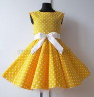 Skladom Detské RETRO šaty Bodky žltá 134-146