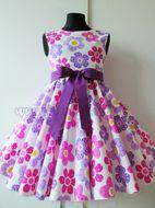 aeb622447fe6 Skladom Detské RETRO šaty Lúka fialová ružová 104-116