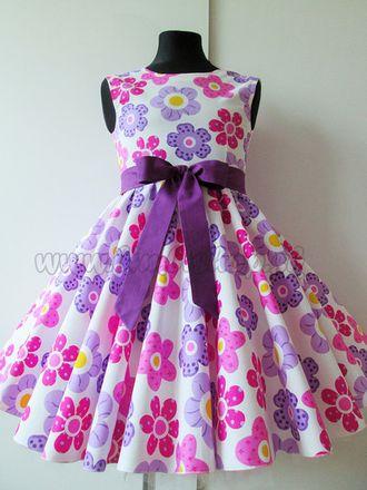Skladom Detské RETRO šaty Lúka fialová/ružová 104-116