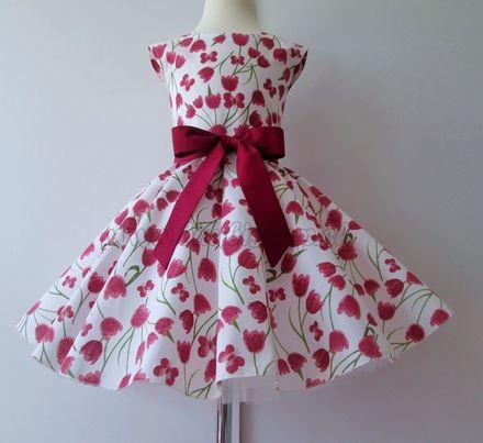 Skladom Detské RETRO šaty Tulipány bordó 122-128